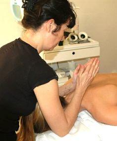 Varje fredag erbjuder Sandrine Staaf på Revivekliniken klassiskt massage 60 min. Kontakta oss på tel:08:6111600 för bokning av tid. Varmt välkomna.