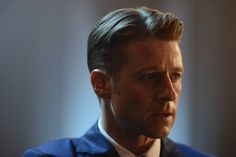 New Gotham photos tease the third episode of the second season, including new shots of Bruce Wayne, Selina Kyle, and Jim Gordon from the October 5 episode. Benjamin Mckenzie, Ben Mckenzie Gotham, Jim Gordon Gotham, Gotham Season 2, Gotham News, Universe Tv, The Last Laugh, Latest Celebrity News, Marvel