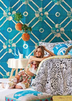 Poppytalk: 5 Wallpapers We're Loving Right Now!- Large patterned wallcovering- blue and white