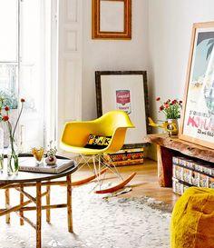 Inspiratieboost: fijne woonkamers met een vleugje okergeel - Roomed