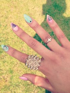 Jayeon Kim's pick:Summer Nails