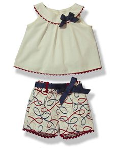 Resultado de imagen para blusitas para niñas Toddler Fashion, Girl Fashion, Fashion Outfits, Angelina Kids, Little Girl Dresses, Girls Dresses, New Frock, Kids Outfits, Cool Outfits