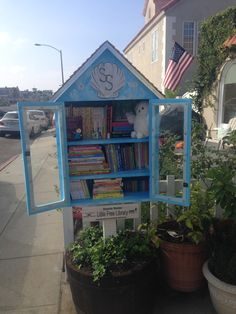 The Lauzon Family. Hermosa Beach, CA. Seaside Stories was created as a gift for… Little Free Libraries, Little Library, Dream Library, Little Books, Importance Of Literacy, Storybook Gardens, Honor System, Eagle Project, Lending Library