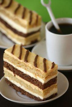 Prăjitură Exotica cu doua tipuri de blaturi si crema de mango • Gustoase.net Just Desserts, Delicious Desserts, Yummy Food, Sweet Recipes, Cake Recipes, Dessert Recipes, Cupcakes, Cupcake Cakes, Milk Cake