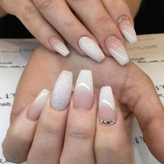 Attention to the semi-permanent varnish - My Nails French Manicure Gel, White Sparkle Nails, White Tip Nails, Cute Nails, Pretty Nails, My Nails, Ombre Nail Designs, Nail Art Designs, Nagel Hacks