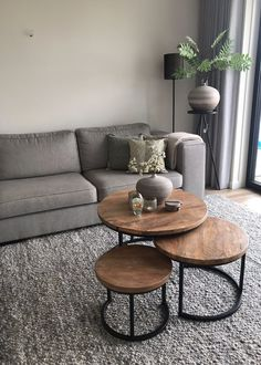 ✔️ 98 Small Living Room Decorating Ideas Enlarge Your Room With Decorating Techniques That Fool The Eyes 12 [ Simple Living Room Decor, Small Living Rooms, Living Room Modern, Home Living Room, Living Room Designs, Cozy Living, Apartment Living, Living Room Inspiration, Decorating Ideas