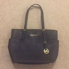 I just discovered this while shopping on Poshmark: NWOT Michael Kors Saffiano Leather Jet Set Tote. Check it out! Price: $178 Size: OS, listed by nwt2