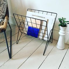 This gorgeous wire magazine rack is just £32 in our sale!! Makes any room/space look good. #black #wire #magazinerack #housedoctor #midcentury #midcenturymodern #black #grid #tidy #organise #papers #books #magazines #lounge #livingroom #home #office #reception #hotel #bedroom #interiors #interiordesign