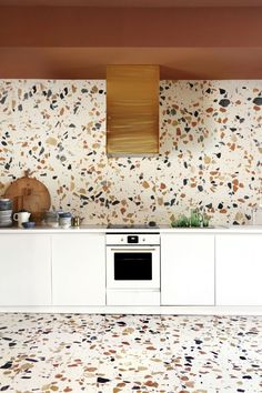 Terrazzo is making a major comeback as one of the hottest interior design trends you'll be seeing everywhere. Used throughout history, first in Venetian palazzos, Milanese lobbies, and then in Miami and Memphis art deco buildings, today terrazzo is a. Interior Design Kitchen, Modern Interior Design, Kitchen Decor, Interior Decorating, Contemporary Interior, Kitchen Lamps, Kitchen Sinks, Decorating Blogs, Kitchen Lighting