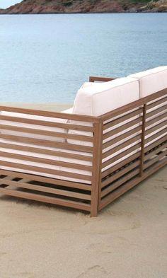New Strandsofa in braun und wei Loungeset Belray aus Akazie mit wei en Polstern von OUTLIV