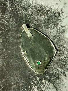 Pendant black stone silver 925 emerald Milogis gallery , Paris.