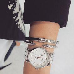 Schlicht und gemeinsam doch auffällig! #christjuweliere #armparty #armcandy #watch #uhr #jewellry #bangles #opencuffs #selfietuesday