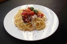 Spaghetti z pomidorami / Spaghetti with tomato | Tapas de Colores