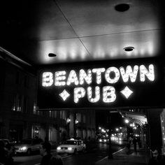 Beantown Pub - Bar - Beacon Hill