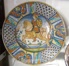 A piatto da pompa decorative plate, Deruta (Italy), ca. 1525.