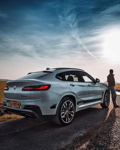 Adventurous opportunities on the horizon. The BMW BMW – Fuel consumption… Luxury Car Brands, Best Luxury Cars, Luxury Suv, My Dream Car, Dream Cars, Bmw Italia, Bmw White, Bmw X4, Automobile