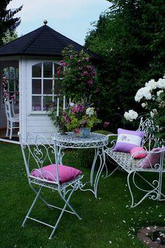 Nehmen Sie Platz - Wohnen und Garten Foto