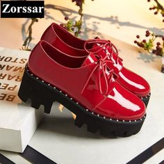 48.75$  Watch now - http://ali681.shopchina.info/go.php?t=32797670175 - Patent Leather Flats Oxfords Shoes Spring Vintage rivets Platform Brogue Shoes Woman Creepers Casual Ladies Platform Shoes  #buychinaproducts