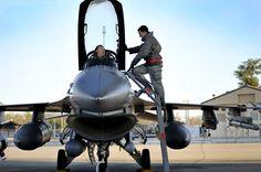 F-16CG CREW CHIEF & PILOT