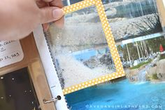 Scrapbook use plastic and washi tape. Place sand between 2 pieces of plastic and seal with the washi tape. Pocket Scrapbooking, Scrapbooking Layouts, Scrapbook Designs, Travel Scrapbook, Scrapbook Cards, Wedding Scrapbook, Scrapbook Photos, Cool Diy, Easy Diy