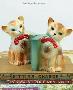 Vintage Home Shop - Cute 1950s Cats with Bows Book Ends: www.vintage-home.co.uk