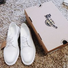 Berry Boss with the Dr. Marten's 1461 3-Tie Leather Shoe in White Leather || Get the flats: http://www.nastygal.com/shoes/dr-martens-1461-3tie-leather-shoe--white?utm_source=pinterest&utm_medium=smm&utm_term=ngdib&utm_content=omg_shoes&utm_campaign=pinterest_nastygal