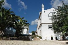 Farmhouse of the Palms, in Portugal, a stylish B&B with great rooms for families. the exterior Vacation Homes For Rent, Vacation Home Rentals, Hotels Portugal, Faro Portugal, Country Hotel, Small Luxury Hotels, Boutique Homes, Algarve, B & B