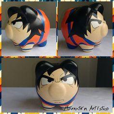 #alcanciaspersonalizadas #goku #dragonballz #regalo 🎁#marranito 🐷 Goku, Pig Bank, Naruto Y Sasuke, Flying Pig, Marvel, Memes, Crafts, Diy, Miniature Pigs
