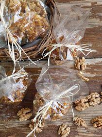 Kouzlo mého domova: Vlašské ořechy ve slaném karamelu Ds, Almond, Food, Essen, Almond Joy, Meals, Yemek, Almonds, Eten