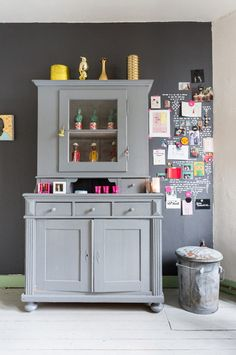 Shades of grey in a quirky Dutch home with fab colours (and lots of art). Hans Mossel / Sabine Burkunk.