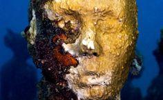 Submerged - Underwater Sculpture by Jason deCaires Taylor Underwater Sculpture, Underwater Art, Underwater Museum Lanzarote, Jason Decaires Taylor, Modern Art, Contemporary Art, Installation Street Art, Flying Dutchman, Modern Sculpture