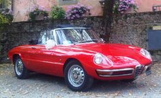 Wedding Car Rental and other services in Tuscany! Rent your own vintage Italian car with red exterior and black convertible roof!