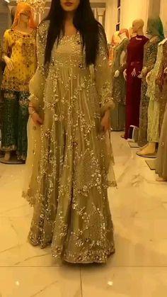 Party Wear Indian Dresses, Pakistani Wedding Outfits, Pakistani Dresses Casual, Designer Party Wear Dresses, Pakistani Dress Design, Party Dress, Fancy Dress Design, Bridal Dress Design, Stylish Dress Designs