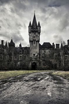 Abandoned Castle/Manor........WHAT A SHAME  ... Please save this pin... Because For Real Estate Investing... Click on this link now!  http://www.OwnItLand.com