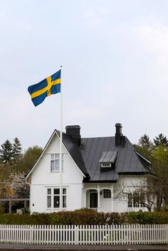 beautiful home in sweden with a proud swedish flag swaying in the wind. Can I live here? Swedish Flag, Swedish Girls, Swedish Style, Swedish Cottage, Swedish Decor, Swedish House, Welcome To Sweden, Swedish Interiors, Sweden Travel