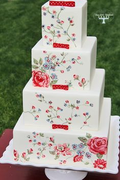Stunning wedding cake by Three Little Blackbirds