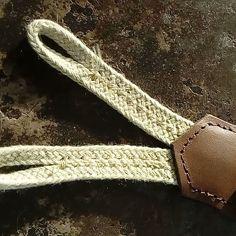 """8 mentions J'aime, 0 commentaires - Bretelles en cuir de Gaston (@bretellesdegaston) sur Instagram: """"Bretelles en cuir de veau avec pattes de boutonnage en coton tressé."""" Belt, Wallet, Accessories, Instagram, Fashion, Leather Suspenders, Calf Leather, Braid, Cotton"""