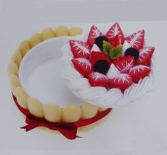Felt Strawberry Cake Kit by Lit'l Brown Bird, via Flickr