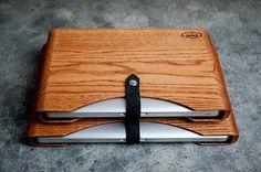 Wooden laptop sleeve