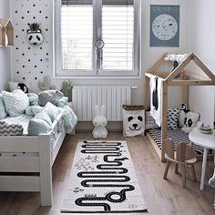 This kid's room looks amazing.