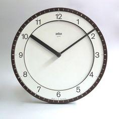 dietrich-lubs-braun-clock