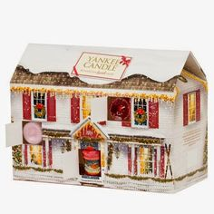 Cosy up your home ahead of christmas with the Yankee candle advent calendar 2014 Yankee Candle Advent Calendar, Advent Calendar House, Best Beauty Advent Calendar, Advent House, Yankee Candle Christmas, Advent Candles, Christmas Scents, Christmas Gift For You, Christmas Countdown