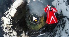 Mulher Corajosa Voa Num Wingsuit Por Cima De Um Vulcão Ativo http://www.desconcertante.com/mulher-corajosa-voa-num-wingsuit-por-cima-de-um-vulcao-ativo/