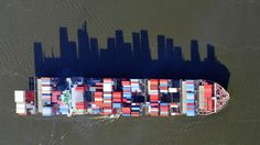 Post with 11 votes and 1607 views. Cargo ship, which supplies a city with goods and materials, has a shadow that looks like a city's skyline. Photos D'ombre, The Light Is Coming, Shadow Photos, Award Winning Photography, Photo Chat, Bizarre, Shadow Puppets, Thing 1, Sea And Ocean