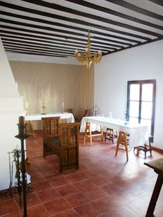 Casa Museo Bellomonte. Recreation of the hall of a house from a 15th Century Castillian merchant (more following the link).