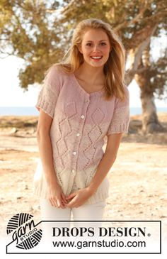 """Knitted DROPS jacket with short sleeves, lace pattern and round yoke in 2 threads """"Alpaca"""". Size: S - XXXL. ~ DROPS Design"""