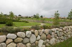 Rock Retaining Wall, Felder, Kids Store, Walkway, Bouldering, Backyard Landscaping, Natural, Stepping Stones, Sidewalk