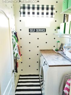 Laundry Room Makeover #PMedia #HomeFreeLowes
