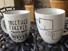 Cute Cups Pottery Painting Designs, Pottery Designs, Grad Gifts, Diy Gifts, Long Distance Friendship, Mug Art, Diy Mugs, Distance Love, Cool Diy Projects