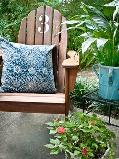 stenciled outdoor chair. Love this to customize patio furniture.
